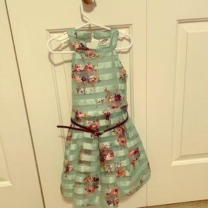 Floral little girls dress, size 4